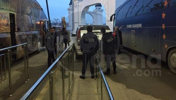 Cüneyt Çakır'a polis eskortu