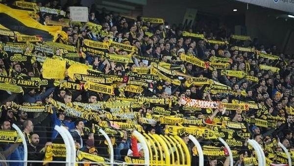 Fenerbahçe taraftarları biletleri tüketti!