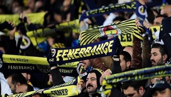 Fenerbahçe'de derbi öncesi tribünler birleşti
