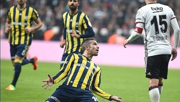 Fenerbahçe'den Beşiktaş'a Robin van Persie göndermesi