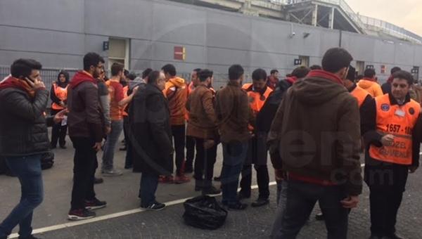 Galatasaray taraftarları didik didik arandı