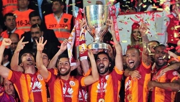 Galatasaray'da gelenek bozuluyor mu?