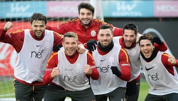 Galatasaray'da savunmaya yeni ikili