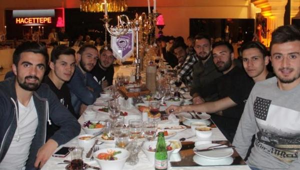 Hacettepe'ye moral yemeği