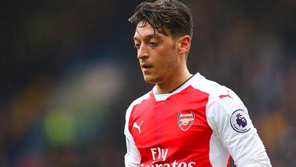 İngiliz basını Mesut Özil'i eleştirdi