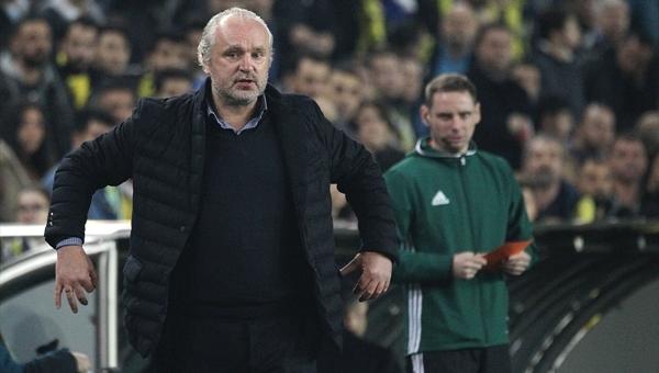 Krasnodar'ın hocasından Robin van Persie'ye Beşiktaş göndermesi