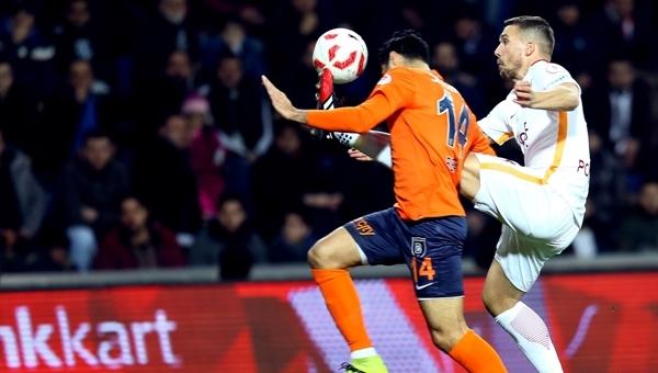 Lukas Podolski sinirlerine hakim olamadı