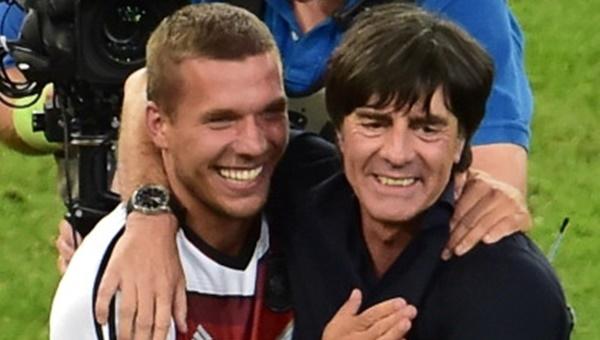 Lukas Podolski'den Löw'e destek