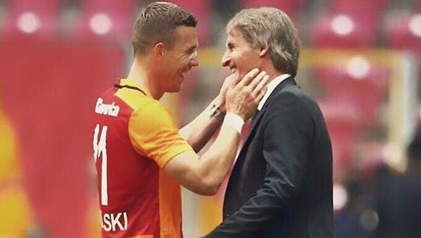 Lukas Podolski'den Riekerink'e veda mesajı