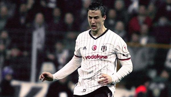 Matej Mitrovic ilk maçında nasıl oynadı?