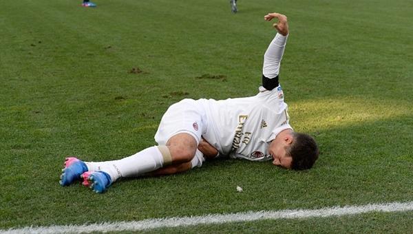 Milan'ın yıldız oyuncusu sezonu kapattı