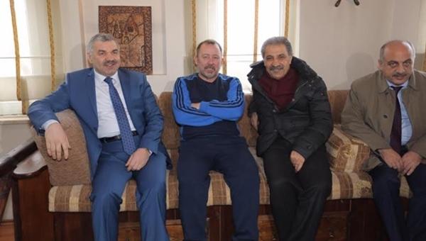 Mustafa Çelik'ten Kayserispor'a moral ziyareti