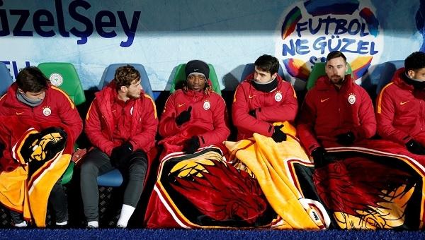 Özgür Çek'ten Galatasaray'a gönderme