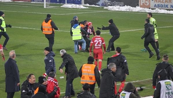Samsunspor - Mersin İdmanyurdu maçında olay çıktı