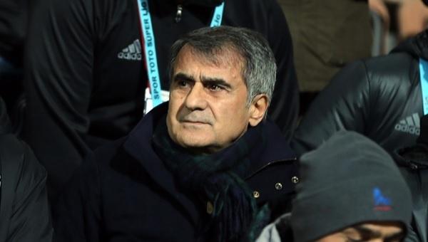 Şenol Güneş Karabükspor maçı sonrası soyunma odasına geldi