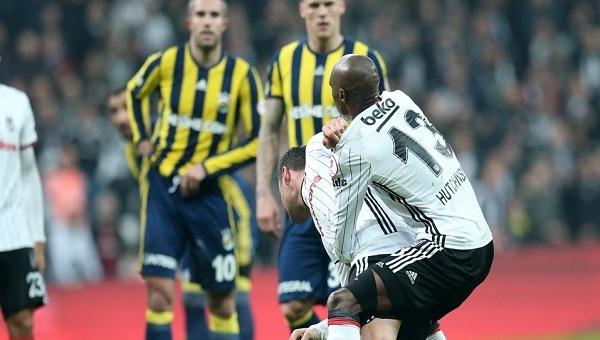 Tosic - Van Persie kavgası ve kırmızı kart pozisyonu (VİDEO İZLE) Beşiktaş - Fenerbahçe Ziraat Türkiye Kupası