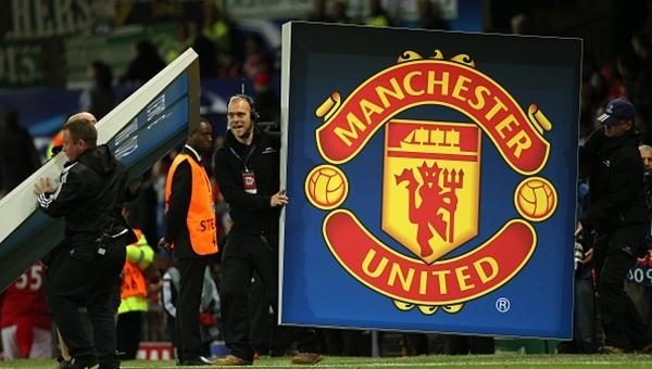 Türk oyuncu Manchester United'a transfer oldu