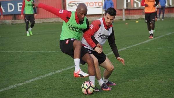 Beşiktaş maçı öncesi 4 eksik ile çalıştılar - Gençlerbirliği Haberleri