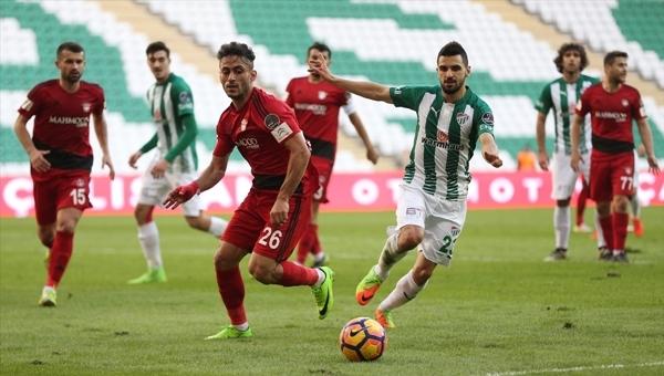 Bursaspor - Gaziantepspor maçında skandal hakem kararı!