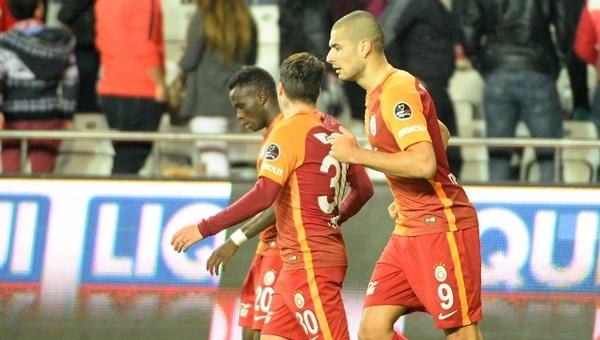 Eren Derdiyok, Antalyaspor maçına damga vurdu