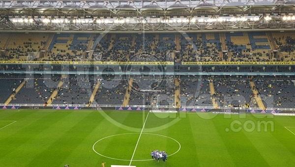 Fenerbahçe - Osmanlıspor maçında tribünler boş kaldı