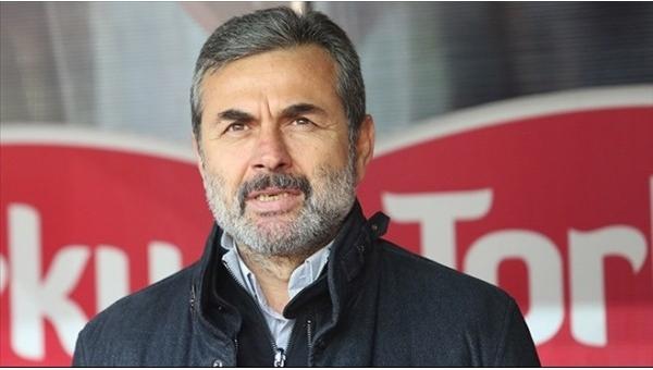 Fenerbahçe taraftarları Aykut Kocaman için ikiye bölündü