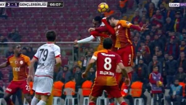 Fırat Aydınus'un Galatasaray - Gençlerbirliği maçında verdiği iki penaltı kararı! Neler söylendi?