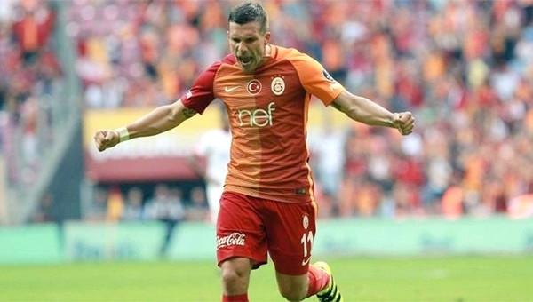 Lukas Podolski'den örnek davranış