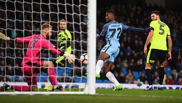 Manchester City 5-1 Huddersfield Town maçı özeti ve golleri