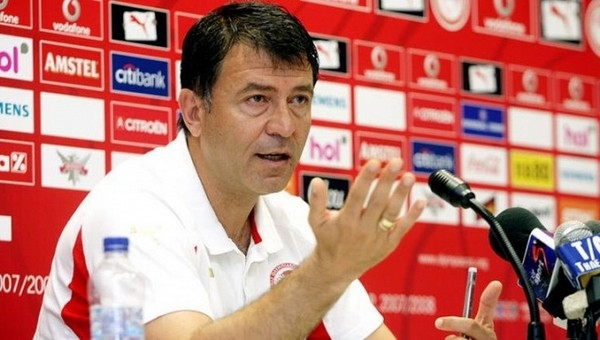 Olympiakos Takis Lemonis ile anlaştı