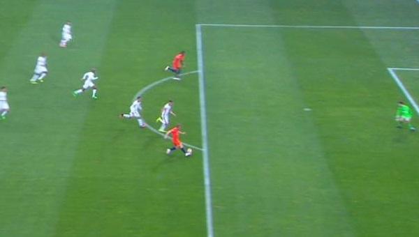 Adebayor'un golünde Beşiktaşlı taraftarların ofsayt tepkisi