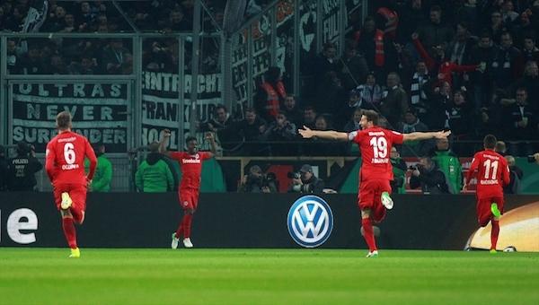 Almanya Kupası'nda ilk finalist Eintracht Frankfurt
