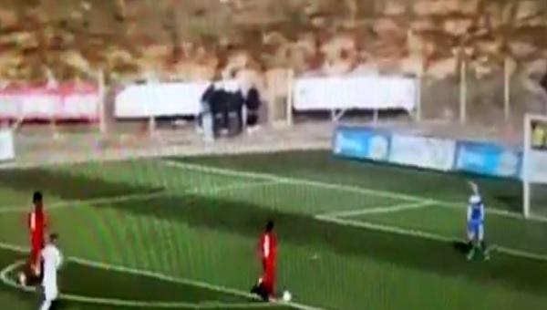 Bandırmaspor - Eskişehirspor maçında Ofoedu'nun kaçırdığı inanılmaz pozisyon (İZLE)