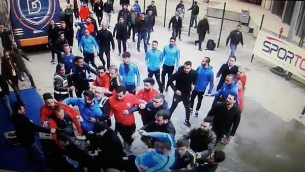 Başakşehirli futbolcular, A Spor binasına gitti