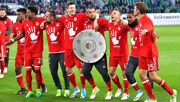 Bayern Münih şampiyon! Wolfsburg 0-6 Bayern Münih maçı özeti ve golleri (İZLE)