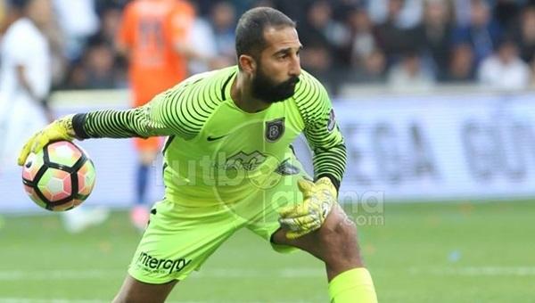 Beşiktaş taraftarından Volkan Babacan'a gönderme