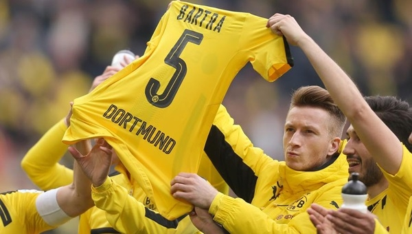 Dortmund'ta Marc Bartra sevinci