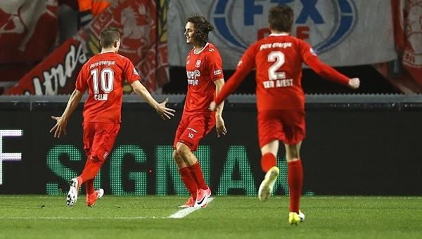 Enes Ünal'ın PSV'ye attığı şık gol (İZLE)