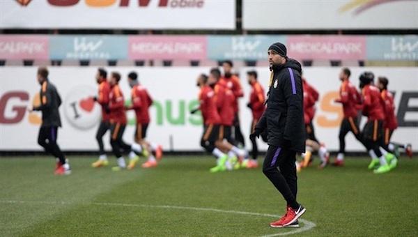 Galatasaray'da kaos! Futbolcular ile Tudor karşı karşıya!