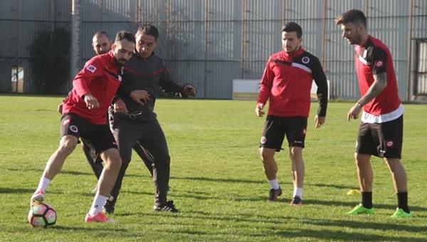 Gençlerbirliği'nde 3 önemli futbolcu Gaziantepspor maçında oynayamayacak