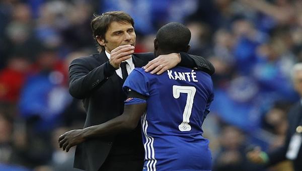 İngiltere'de yılın futbolcusu N'Golo Kante