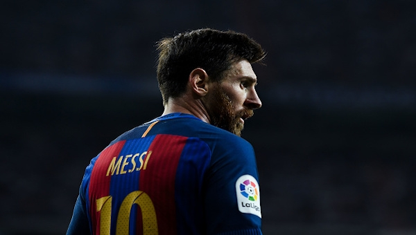 İspanyol basınında manşetler Messi'nin