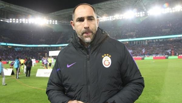 Tudor'dan Sneijder ve Podolski kararı