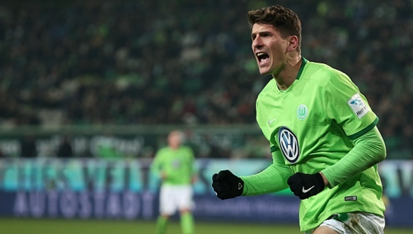 Mario Gomez'in Schalke 04'e attığı gol (İZLE)
