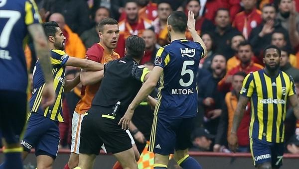 Mehmet Topal ve Podolski arasında gerginlik