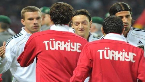 Mesut Özil: ''Türk olduğum için Almanya'da ayrımcılık yaşadım!''