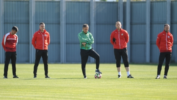 Mutlu Topçu'dan Galatasaray'a gözdağı