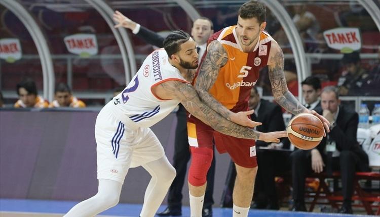 Anadolu Efes - Galatasaray Odeabank play-off maç sonucu