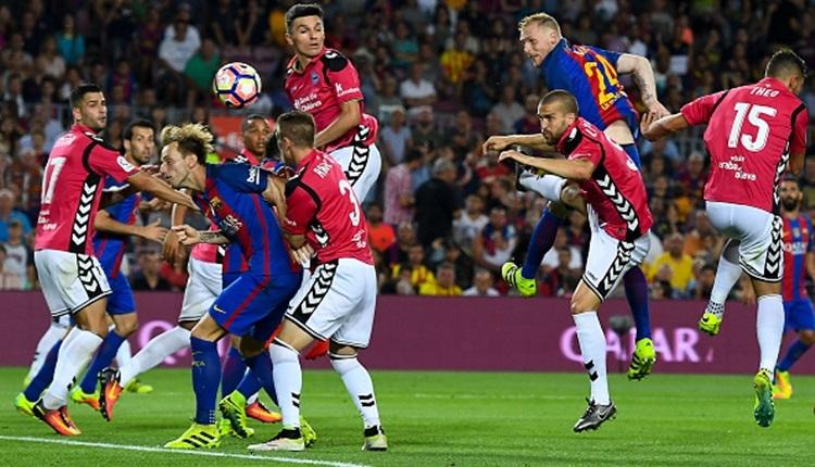 Barcelona - Alaves maçı saat kaçta, hangi kanalda?