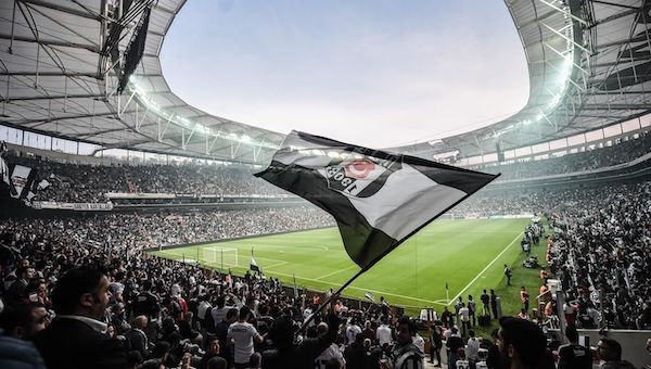 Beşiktaş'ta 3 bin koltuk için 30 bin başvuru!